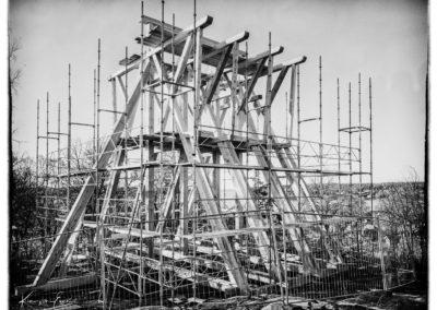 Sigtuna klockstapel nybyggt efter brand. Storformat.